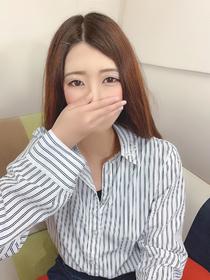 高月 マユ[25歳]